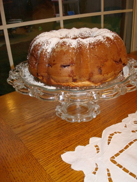 Mom's Jewish Apple Cake