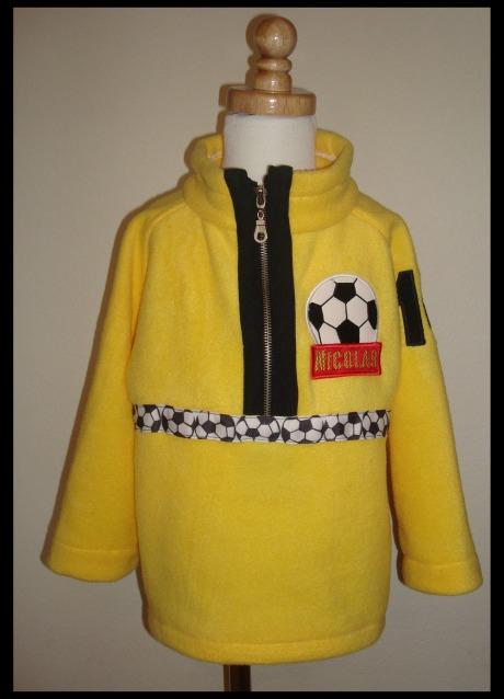 soccer-pullover-on-mannequin